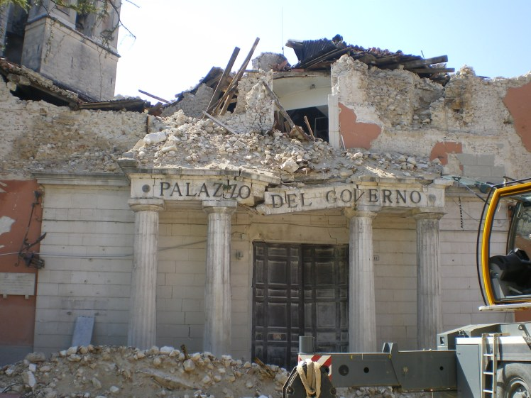 The L'Aquila earthquake damaged tens of thousands of buildings in the ancient city. (Credit:  TheWiz83, Wikimedia Commons)