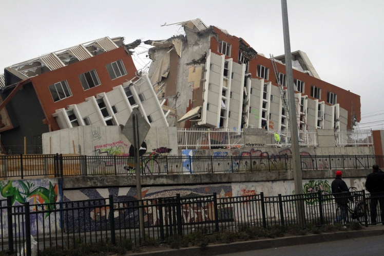 2010_chile_earthquake_-_building_destroyed_in_concepcion